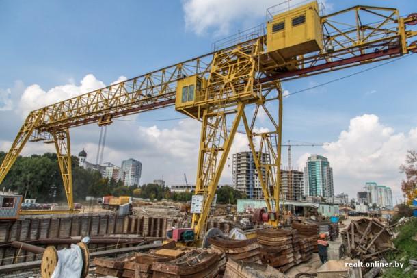 козловой кран строительство станции метро Малиновка