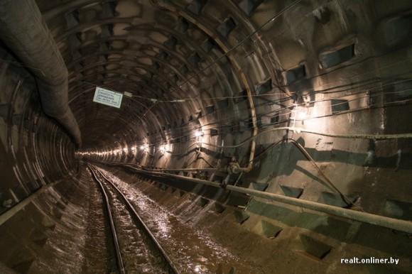 Бетонные тюбинги в тоннеле метро