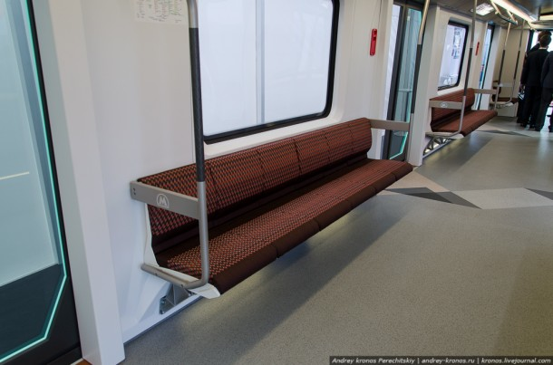 Сидения в вагоне метро Siemens