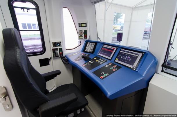 Кабина вагона метро Siemens
