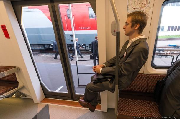 В вагоне метро Siemens