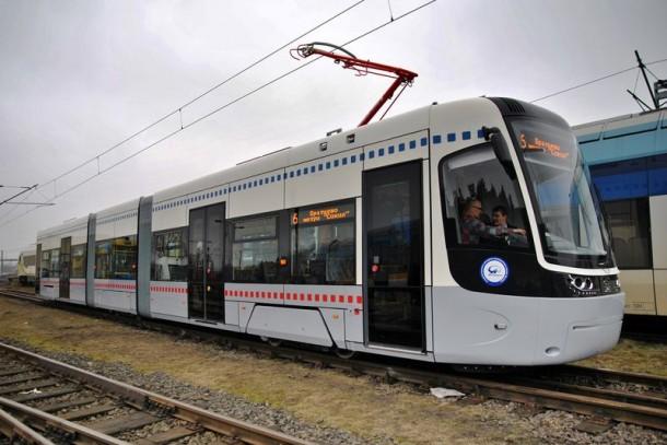 внешний вид трамвая PESA