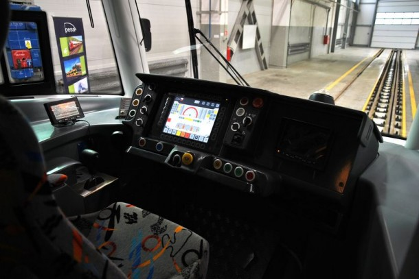кабина машиниста трамвая PESA