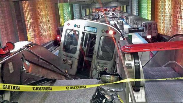 Авария в метро Чикаго