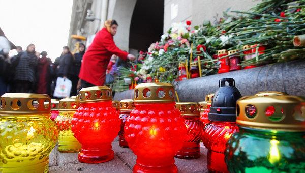 зажжены свечи в память погибшим в минском метро 11 апреля 2011 года