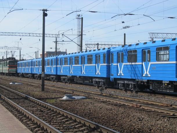вагоны серии 81-717.5М/714.5М перегоняют из Мытищ в Минск
