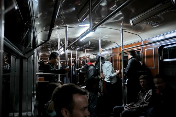 В вагоне метро серии D