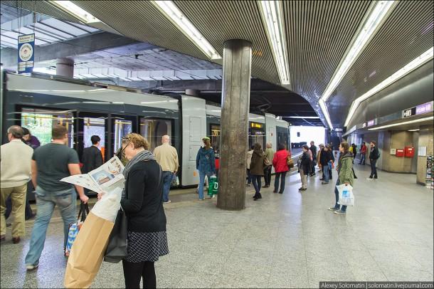 выход из метро совмещен сразу с другими видами общественного транспорта