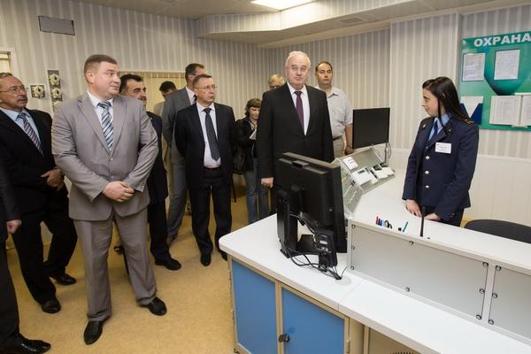 Ладутько проверяет готовность станции Малиновка к открытию