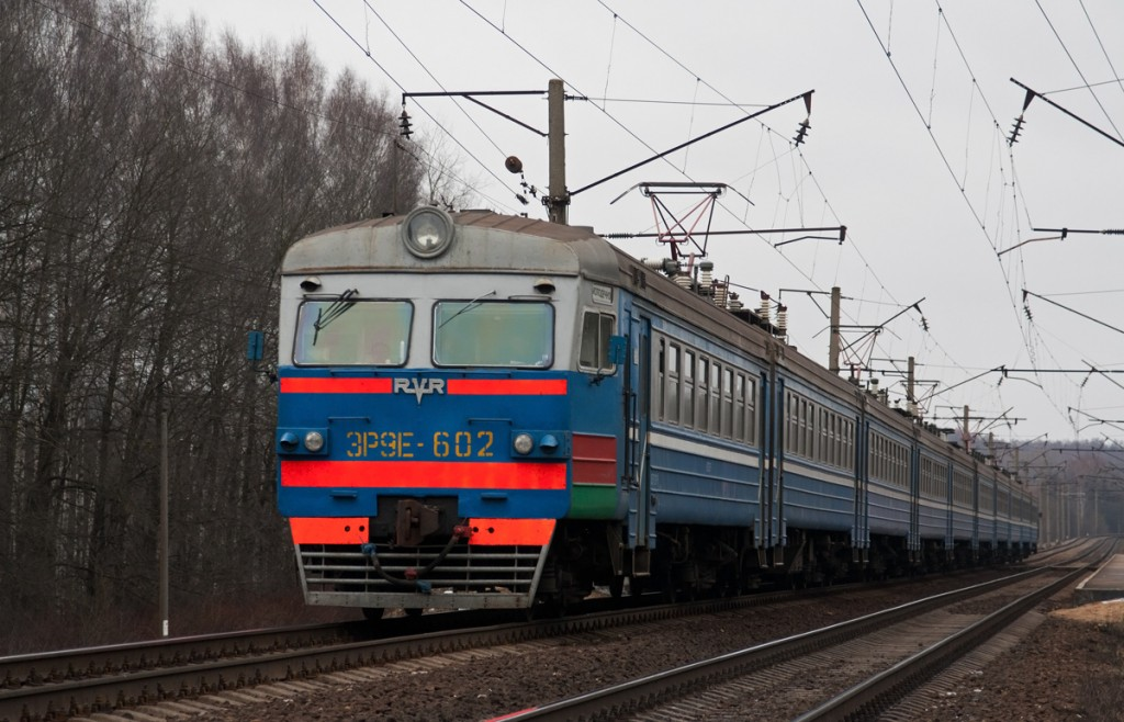 Электропоезд ЭР9е-602