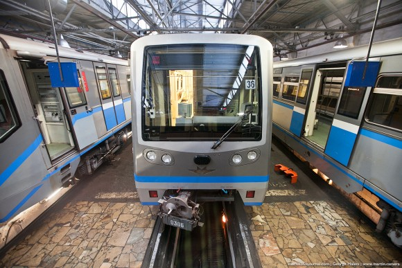 first-train-moscow-metro-15
