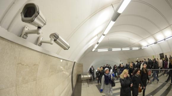 камеры в метро